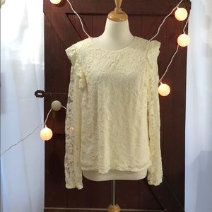 Cream color lace long sleeve top blouse C
